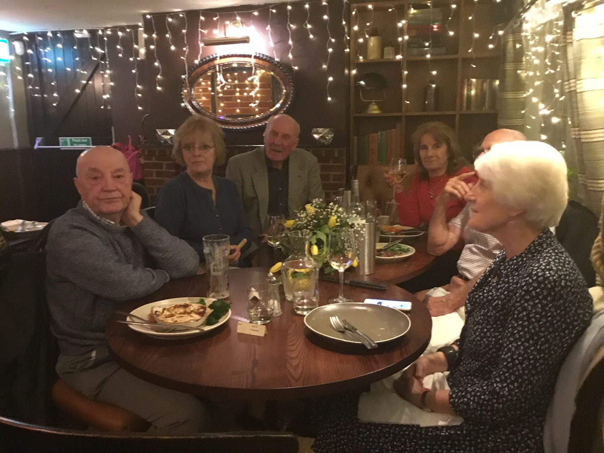 Singles group marlow